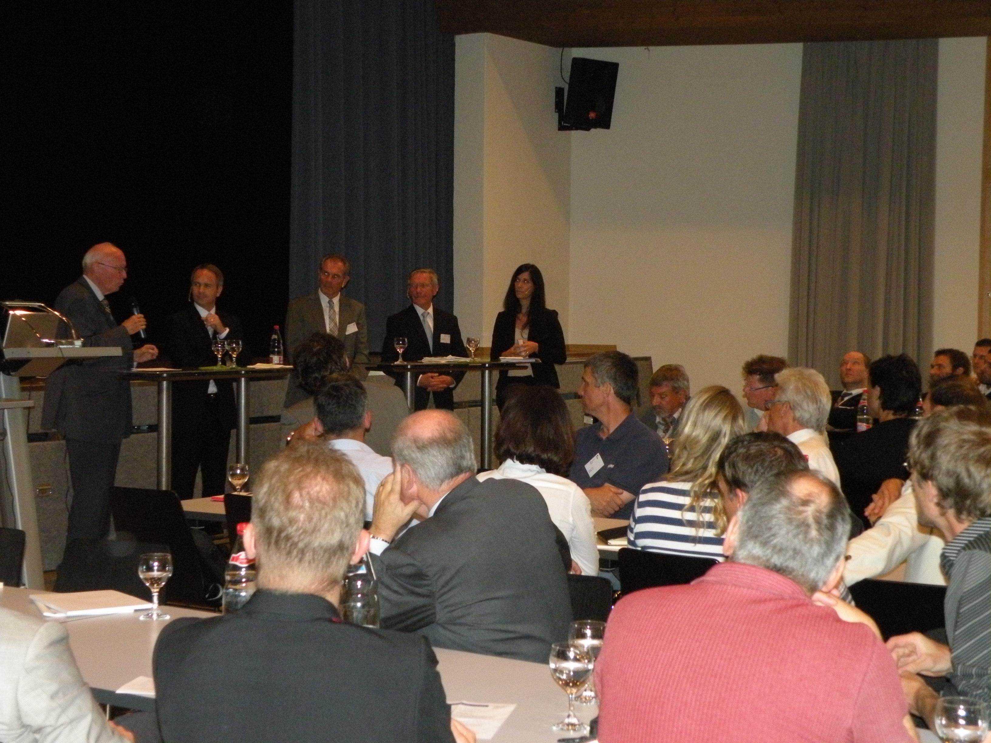 Avenir Suisse Anlässe 8. Juni 2011 Podiumsdiskussion zur Zukunft der Lehre in Widnau