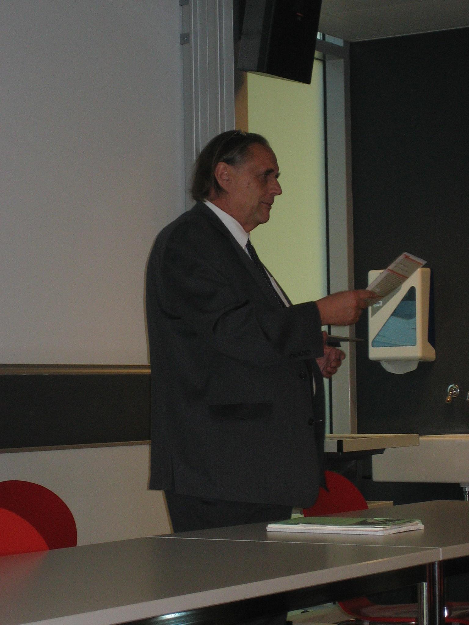 Xavier Comtesse au Colloque Avenir Suisse/EPFL le 30 juin 2011