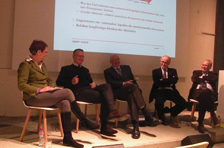 Ellinor von Kauffungen, Jobst Wagner, Pascal Couchepin, Andreas Spillmann und Gerhard Schwarz an der Podiumsdiskussion