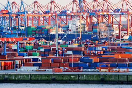 Schlechte Nachrichten für den Multilateralismus und die Doha- Runde: Das Freihandelsabkommen zwischen den USA und der EU rückt näher. Bild: Containerterminal im Hamburger Hafen