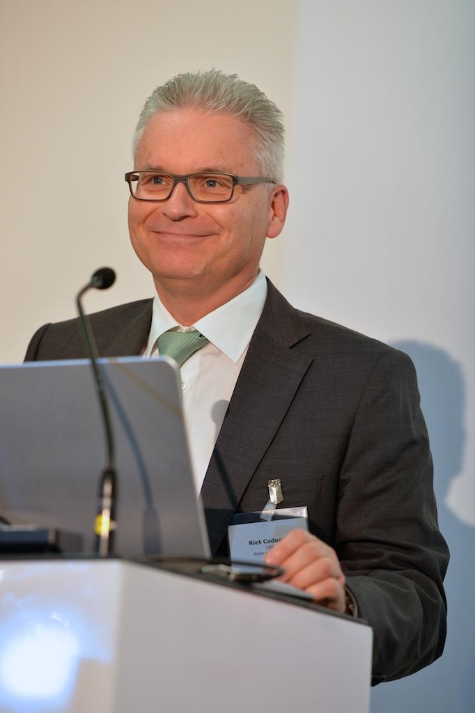 Erfolgsmodell Miliz - heute und morgen: Vortrag von Riet Cadonau (CEO Kaba) bei Avenir Suisse (Foto: Günter Bolzern)