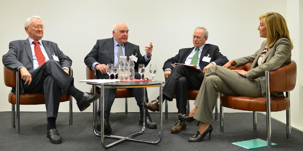 Interessierte Euch! Die Zukunft des Milizsystems. Eine Podiumsdiskussion bei Avenir Suisse (Foto: Günter Bolzern)