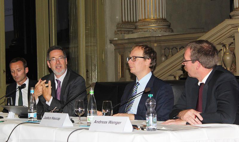 Podiumsdiskussion zum Thema «Energiesicherheit im offenen Markt» mit Urs Meister, Konstantin Staschus, Justus Haucap und Andreas Wenger (von links).