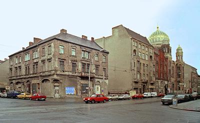 Tucholsky Ecke Oranienburger 34_KoB++ro_1993_400