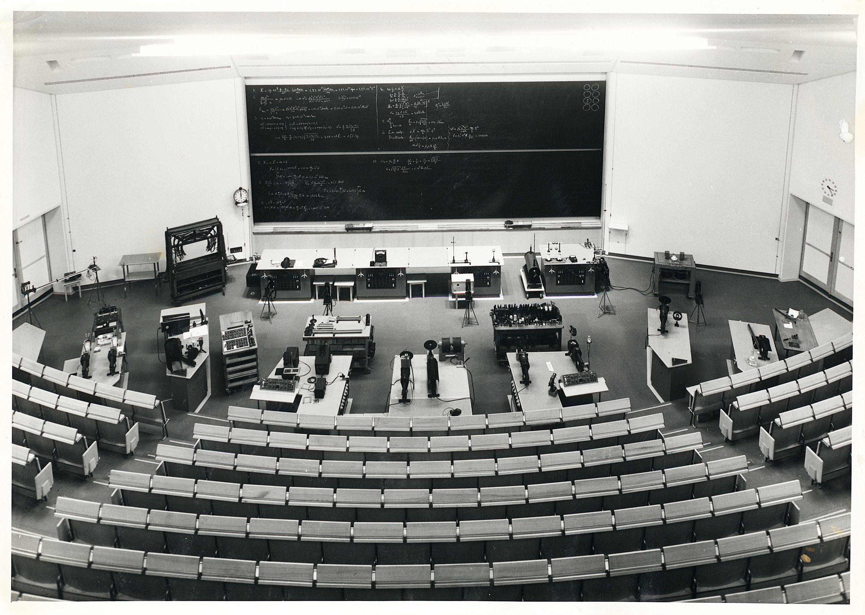 Hörsaal. (ETH-Bibliothek Zürich, Bildarchiv)