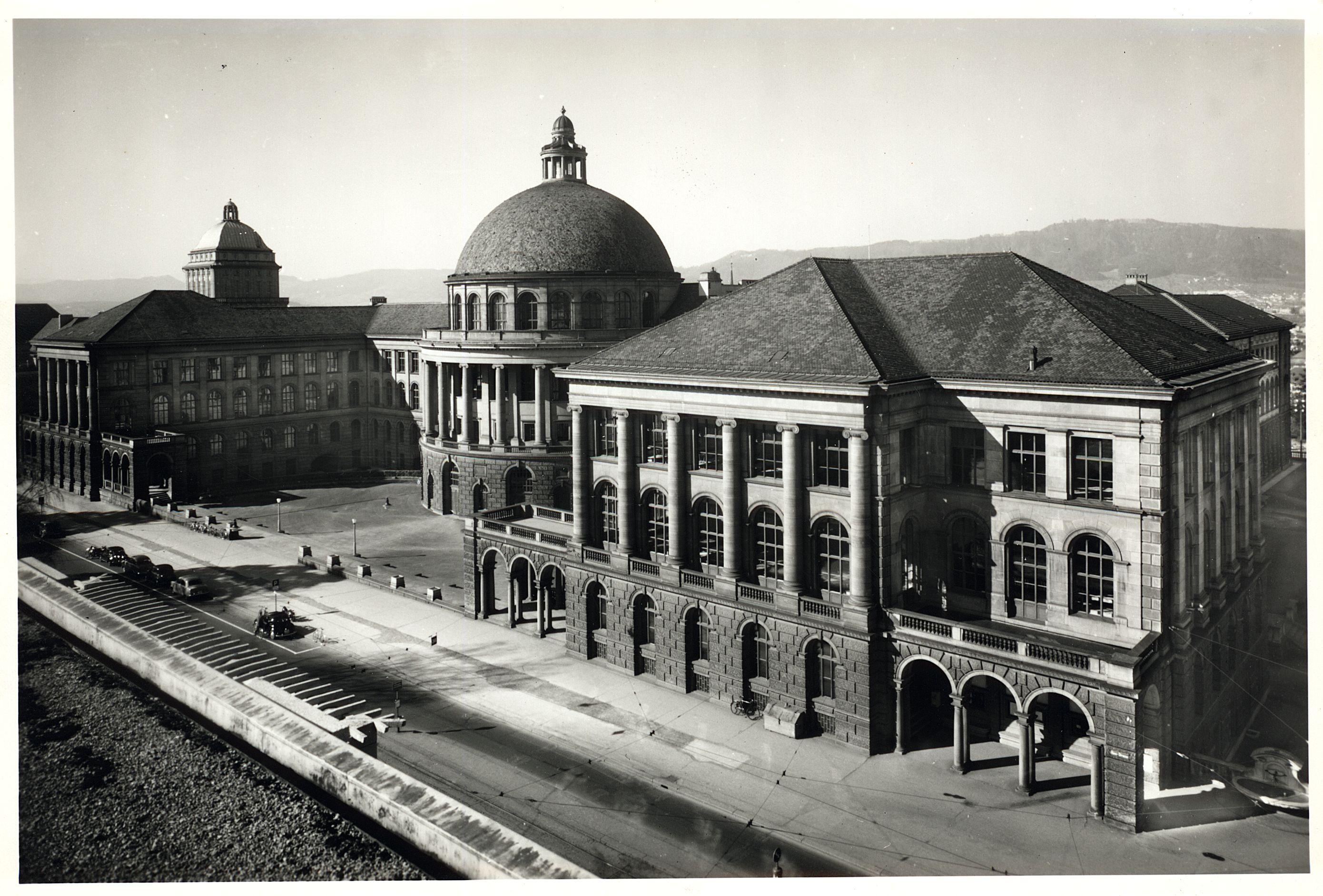 ETH Zürich, im Hintergrund die Universität. (ETH-Bibliothek Zürich, Bildarchiv)
