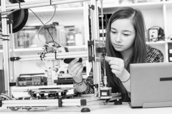 Informatik in der Volksschule bedeutet zu verstehen, nach welchen Prinzipien und nach welcher innerer Logik diese Maschinen funktionieren. (Fotolia)